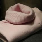 Modne kolory swetrów damskich
